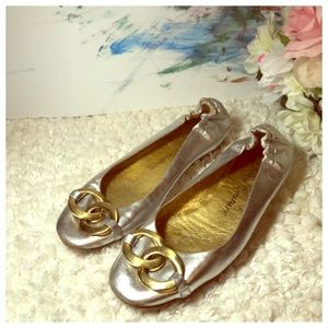 Juicy Couture Made in Italy silver flats shoes